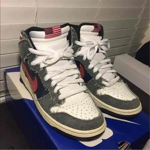 competitive price 94d89 039d0 Nike Shoes - Nike SB Dunk HI (Born in the USA)
